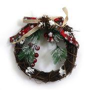DSCN0485 Венок новогодний Ягоды с шишками в снегу D21см, 1шт/этик. (120)