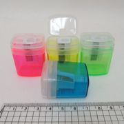 8915 Точилка с контейнером Прозрачная, mix (104018) 12шт/эт (12/1440)